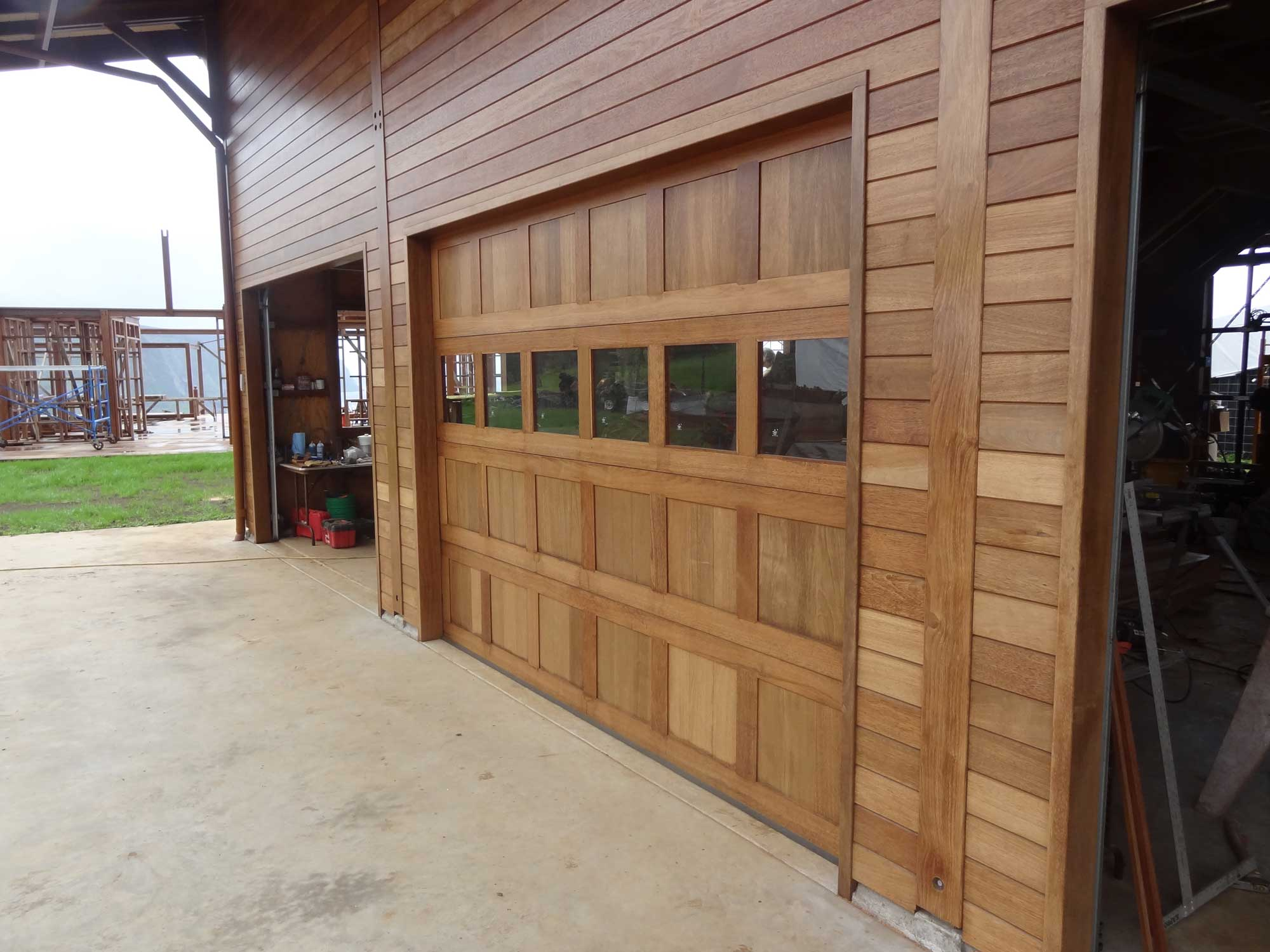 hardwood_garage_doors_01