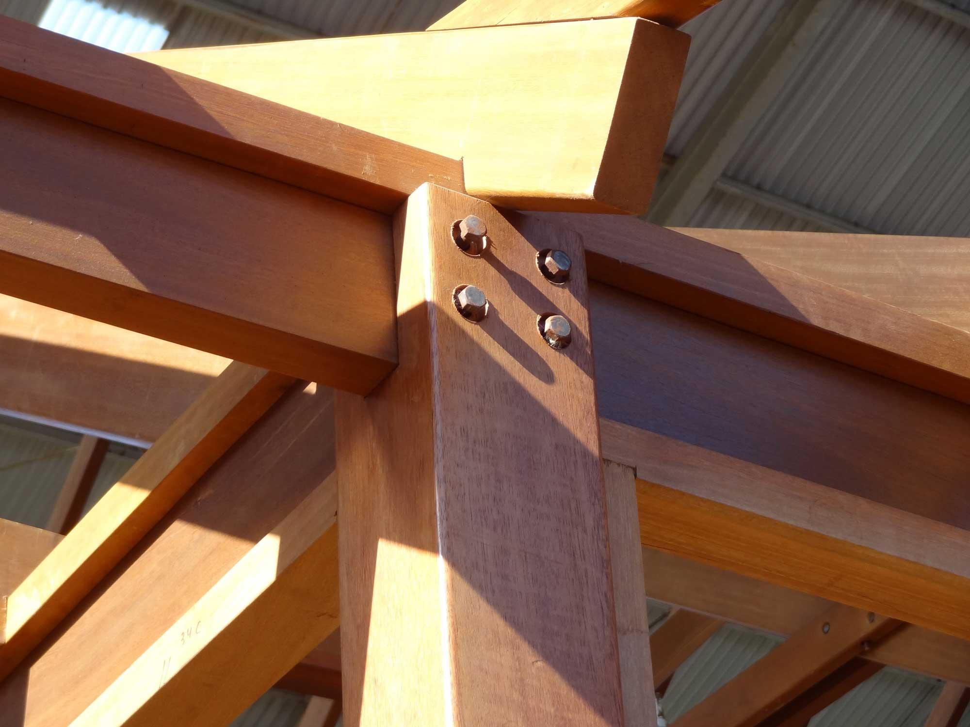 hardwood_post_and_beam_houses_01
