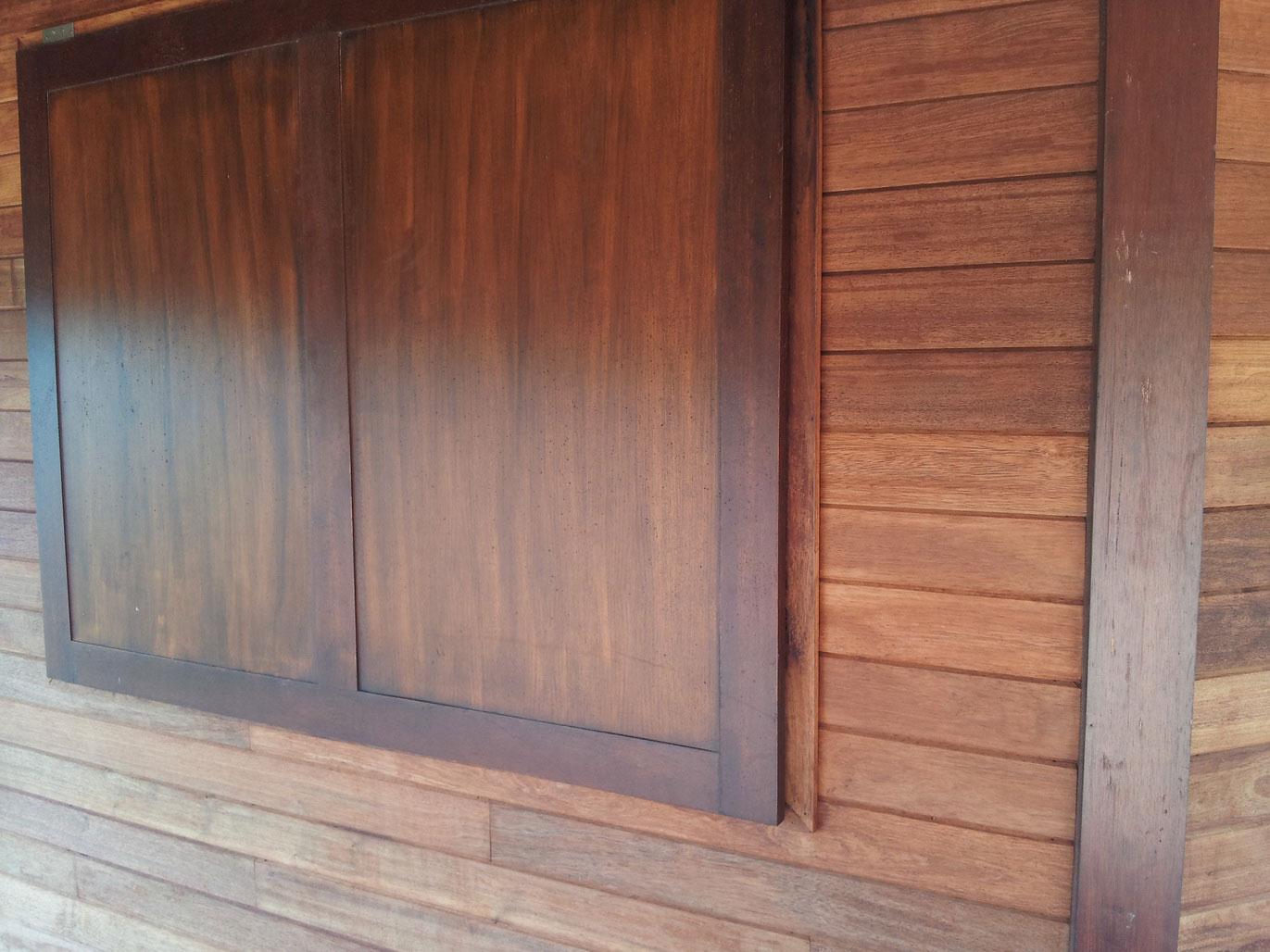 hardwood_shutters_01
